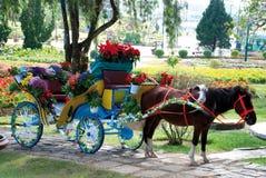 Carro com flores Imagens de Stock Royalty Free