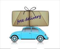 Carro compacto azul com o pacote livre da entrega Fotografia de Stock