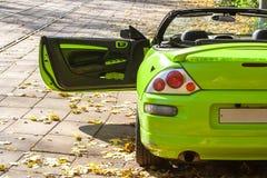 Carro contra as árvores do outono Imagem de Stock