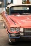 Carro cor-de-rosa do vintage fotografia de stock