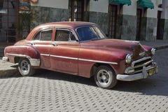 Carro cubano clássico velho de Brown Imagem de Stock Royalty Free