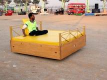 Carro da cama - carros malucos Fotos de Stock Royalty Free