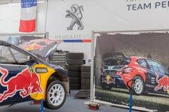 Carro da cruz da reunião do mundo de RX Fotografia de Stock