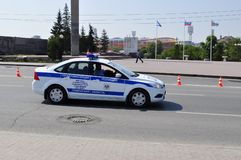 Carro da polícia Polícia de trânsito Tyumen, Rússia Fotos de Stock Royalty Free