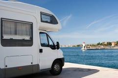 Carro de acampamento Imagens de Stock