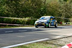 Carro de ajustamento da reunião de Renault Clio R3T imagem de stock