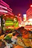 Carro de basura en la ciudad. Fotos de archivo libres de regalías