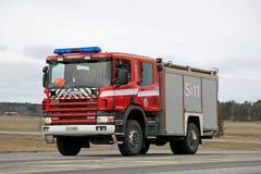 Carro de bombeiros de Scania 114C na estrada Fotografia de Stock