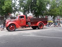 Carro de bombeiros na arremetida fotos de stock