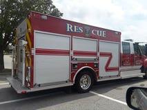 Carro de bombeiros na arremetida foto de stock royalty free
