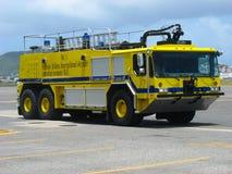 Carro de bombeiros na princesa Juliana Airport, St. Maarten fotografia de stock royalty free