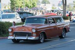 Carro de Chevrolet Bel Air Nomad Station Wagon na exposição imagem de stock royalty free