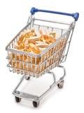 Carro de compra enchido com as tabuletas de vitamina imagens de stock royalty free