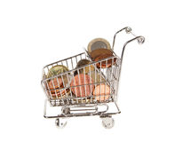 Carro de compras con euros Fotos de archivo libres de regalías
