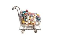 Carro de compras con la medicina Imagenes de archivo