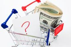 Carro de compras con la pregunta Imagen de archivo libre de regalías