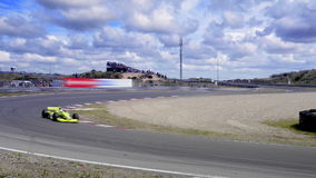 Carro de corridas da fórmula 1 video estoque
