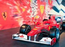 Carro de corridas de Ferrari F1 na exposição Imagens de Stock