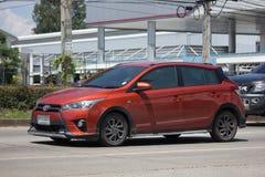 Carro de Eco do carro com porta traseira de toyota Yaris do carro privado Imagem de Stock Royalty Free