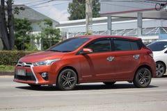 Carro de Eco do carro com porta traseira de toyota Yaris do carro privado Foto de Stock Royalty Free