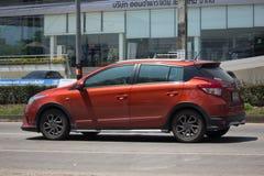 Carro de Eco do carro com porta traseira de toyota Yaris do carro privado Fotografia de Stock Royalty Free