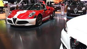 Carro de esportes convertível da aranha de Alfa Romeo 4C filme