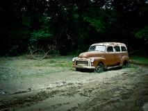 Carro de estación retro de la vendimia GMC Foto de archivo libre de regalías