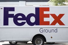 Carro de Federal Express foto de archivo