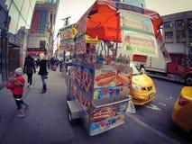 Carro de la calle de Nueva York Fotografía de archivo libre de regalías
