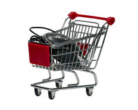 Carro de la compra con un ratón del ordenador Fotos de archivo libres de regalías