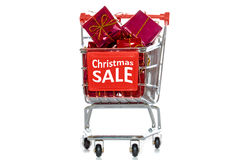 Carro de la compra de la venta de la Navidad Fotografía de archivo libre de regalías