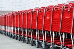 Carro de la compra en fila Foto de archivo libre de regalías