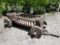 Carro de madeira Imagens de Stock Royalty Free