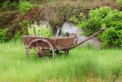 Carro de madeira imagem de stock