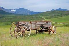 Carro de madeira antigo Fotos de Stock Royalty Free