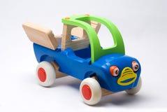 Carro de madeira feliz Fotos de Stock Royalty Free