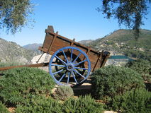 Carro de madeira rústico Imagens de Stock