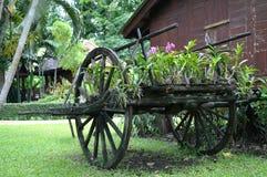 Carro de madera del estilo tailandés fotos de archivo