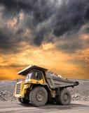 Carro de mina pesado Foto de archivo libre de regalías