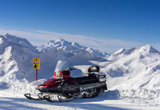 Carro de neve nas montanhas Elbrus Foto de Stock