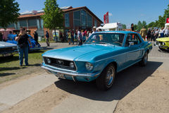 Carro de pônei Ford Mustang, ( primeiramente, generation) , Conversível de capota dura imagens de stock royalty free