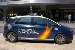 Carro de polícia nacional da Espanha em público Foto de Stock Royalty Free