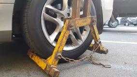 Carro de reboque do Wrecker, veículo multado por violações de estacionamento, serviço da evacuação filme