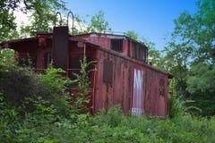 Carro de trem abandonado velho da estrada de ferro Fotografia de Stock