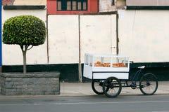 Carro del alimento imagen de archivo