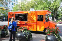 Carro del alimento de Cheezy Bizness Foto de archivo libre de regalías