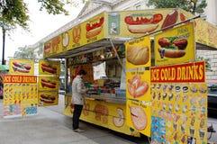 Carro del alimento de la calle en Washington DC Foto de archivo