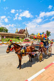 Carro del caballo en el templo Phrathat Lampang Luang, Tailandia fotos de archivo