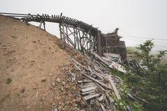 Carro del carril del tranvía de la mina de la independencia en el paso Alaska de Hatcher imágenes de archivo libres de regalías