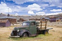 Carro del fantasma en un pueblo fantasma Imagen de archivo